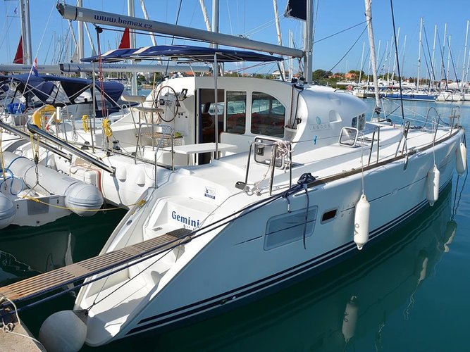 All you need to do is relax and have fun aboard the Lagoon Lagoon 410