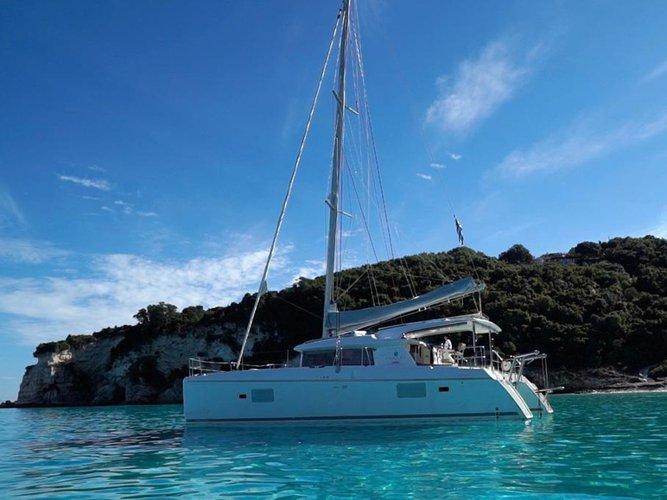 Sail the beautiful waters of Corfu on this cozy Lagoon Lagoon 421
