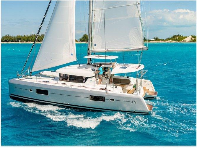 Relax on board our sailboat charter in Porto Pozzo