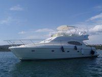 All you need to do is relax and have fun aboard the Ferreti Yachts Ferretti 460