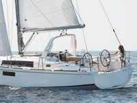 Explore Palermo on this beautiful sailboat for rent