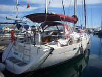 Relax on board our sailboat charter in Santa Cruse de Tenerife