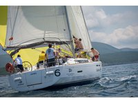 Beautiful Jeanneau Sun Odyssey 439 ideal for sailing and fun in the sun!
