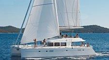 Charter this amazing sail boat in Mumbai