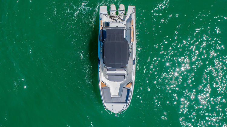 Discover Phuket surroundings on this Flyer 8.8 Beneteau boat