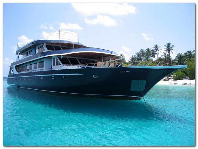 Experience sailing at its best on a this Mega Yacht charter