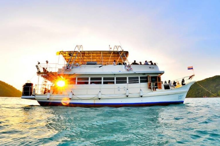 Get the perfect boat to enjoy pattaya in style