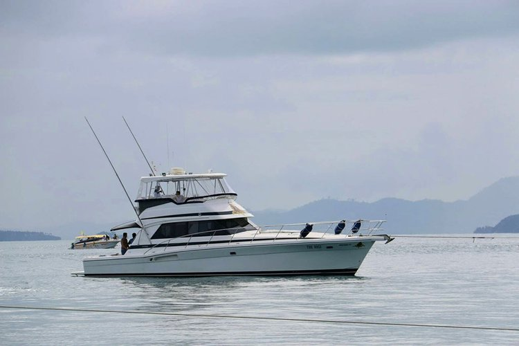 Convertible boat for rent in Phuket