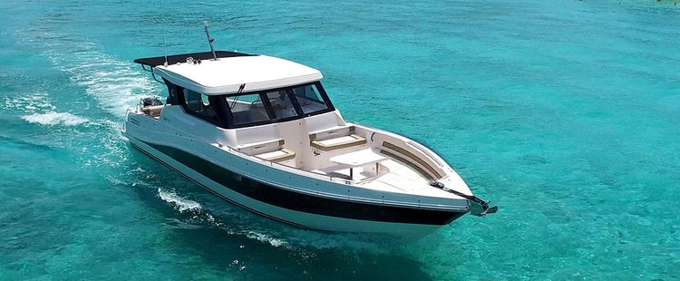 Center console boat rental in Boat Lagoon Phuket, Thailand