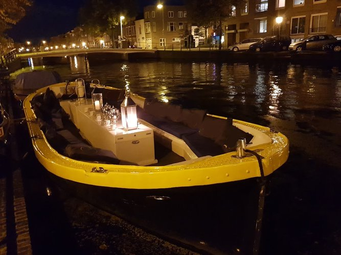 The best way to experience Leiden is by sailing