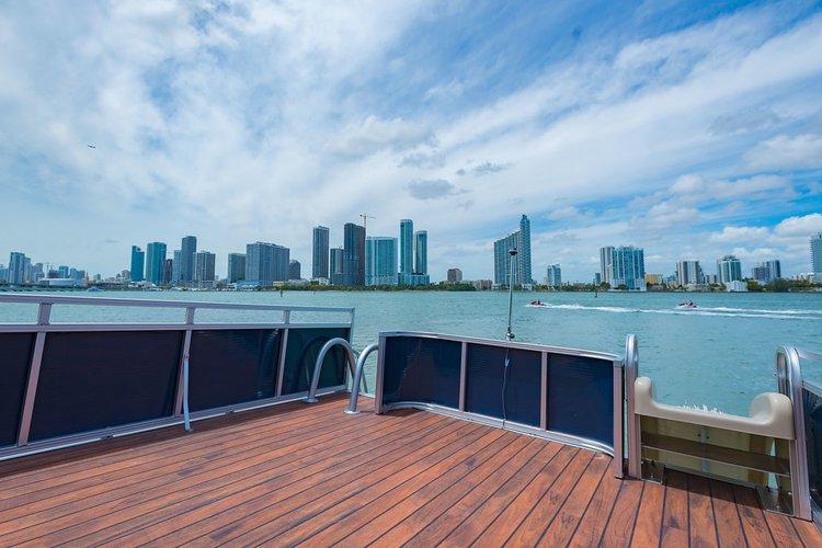 AVALON's 27.0 feet in Miami