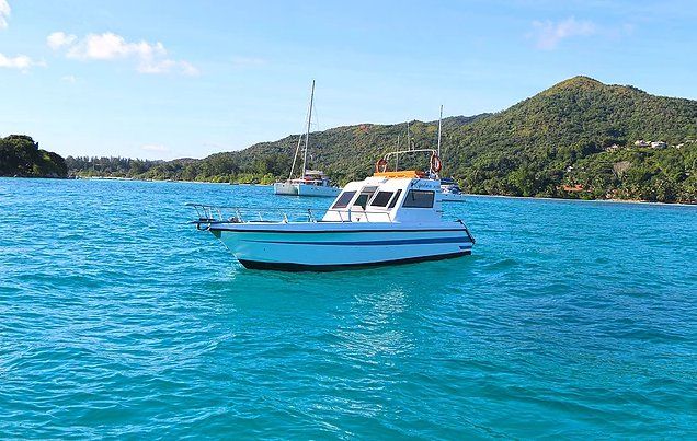 Hop aboard this amazing motor boat rental in Seychelles!