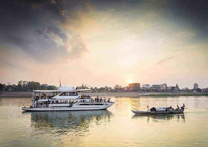 Hop aboard this amazing mega yatch boat rental in Cambodia
