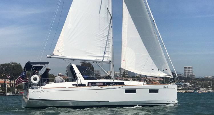 Boat rental in Newport Beach,
