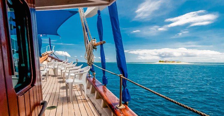 Boating is fun with a Schooner in Denarau Island