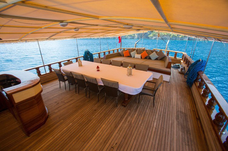This 131.0' WOODEN cand take up to 16 passengers around Fethiye