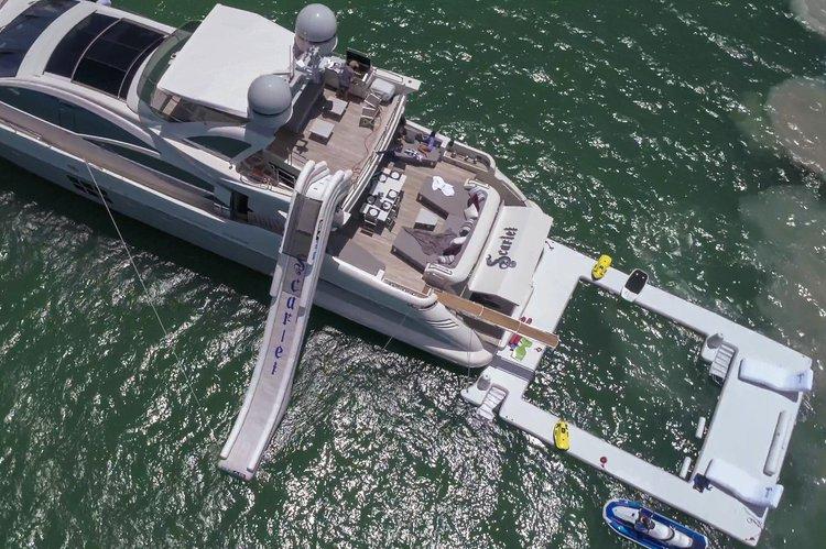 103.0 feet Azimut in great shape