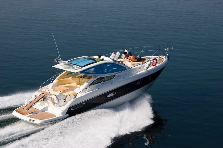 Amazing 14 meters two cabin yacht