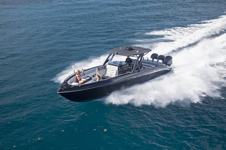 Performance boat for rent in Charlotte Amalie