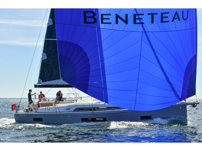 This sailboat charter is perfect to enjoy Pomer