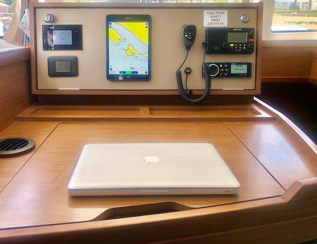 Lagoon boat for rent in Split region