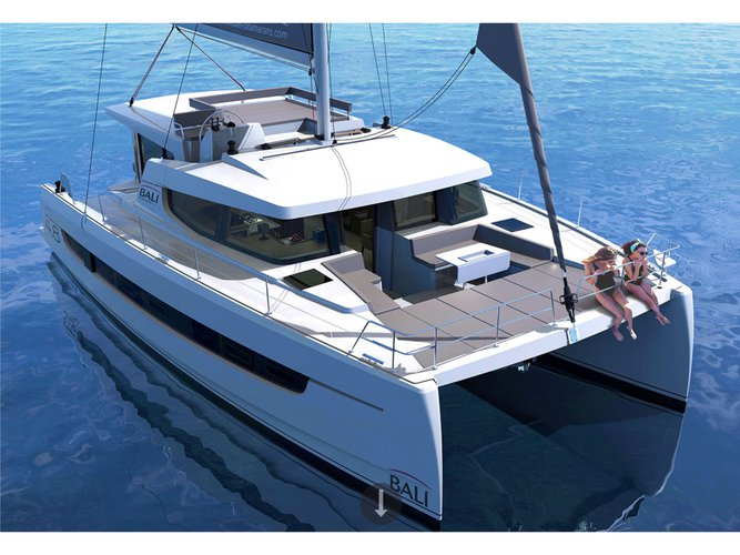 The perfect boat to enjoy everything Salerno, IT has to offer
