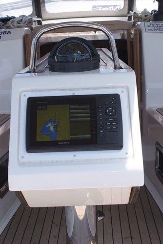 Bavaria Cruiser 37 Instruments
