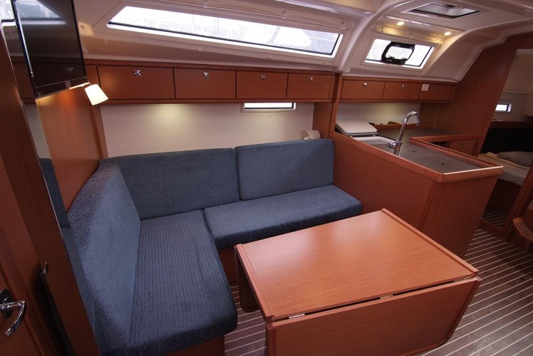 Bavaria Cruiser 37 - Bura