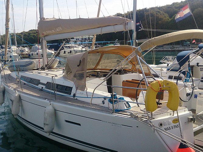 All you need to do is relax and have fun aboard the Dufour Yachts Dufour 405 BM