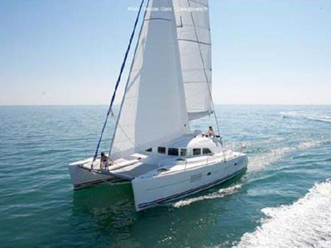 All you need to do is relax and have fun aboard the Lagoon Lagoon 380