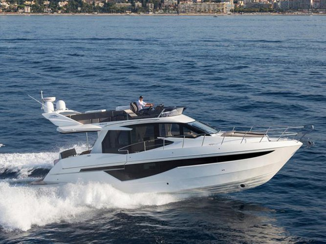 Take this Galeon Galeon 460 Fly for a spin!