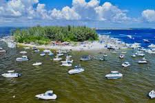 Boat rental in St. Petersburg, FL