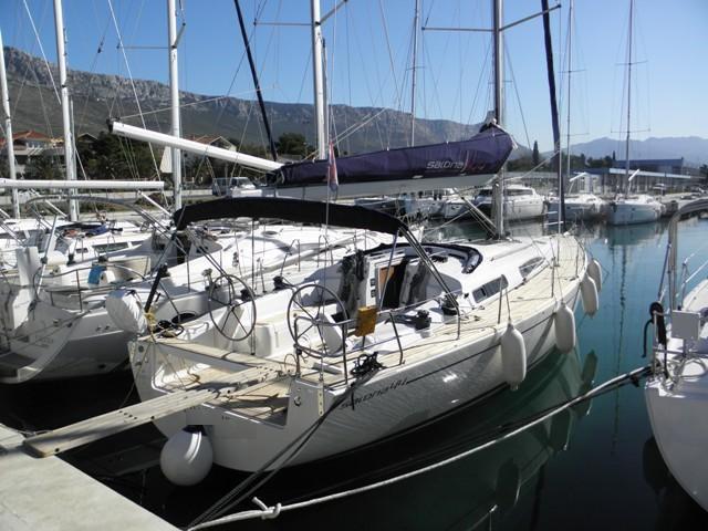 44.0 feet AD Boats in great shape