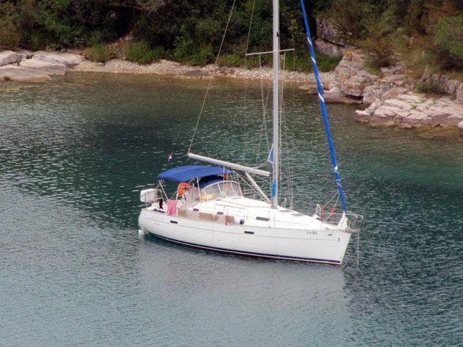 This sailboat charter is perfect to enjoy Baška Voda