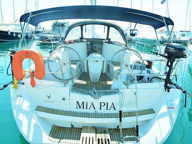Rent this Jeanneau Sun Odyssey 39i for a true nautical adventure