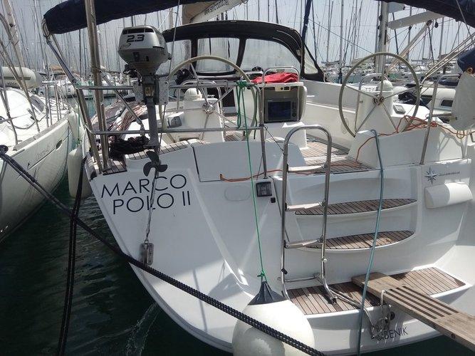 Enjoy luxury and comfort on this Jeanneau Jeanneau 53 in Split region