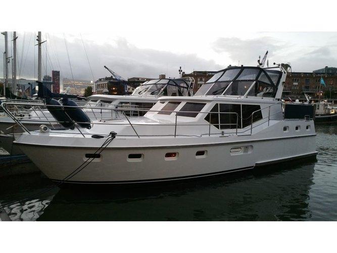 Hop aboard this amazing motor boat rental in Heukelum!