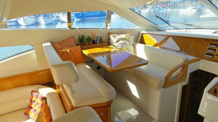 Cruiser boat rental in Estrada do Marinas, Brazil