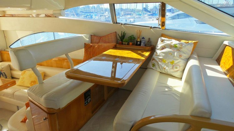 Boating is fun with a Cruiser in Angra dos Reis