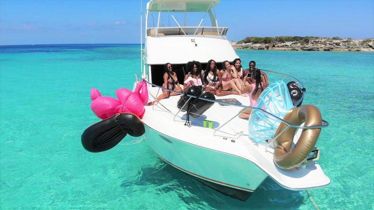 Boat for rent Silverton 42.0 feet in harbor central marina, Bahamas