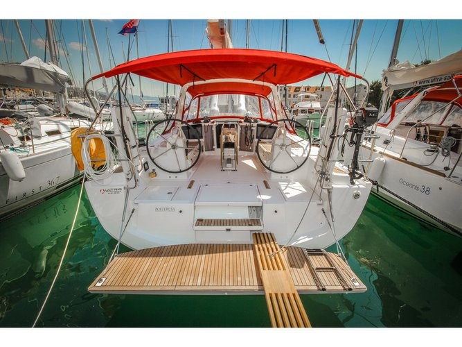 Unique experience on this beautiful Beneteau Oceanis 41.1