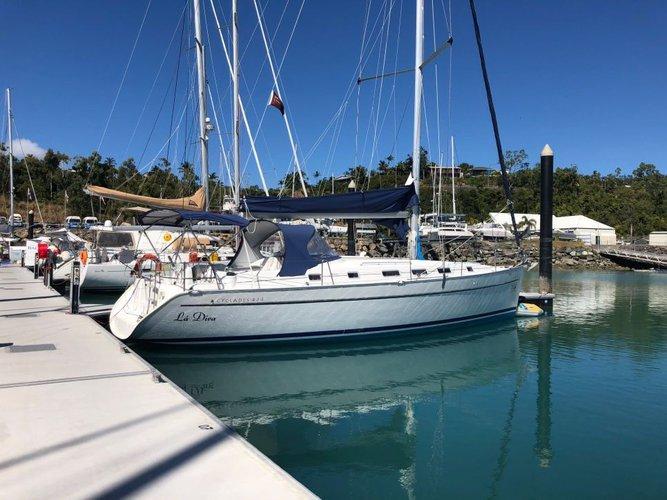 Sail aboard this amazing Beneteau 43.4 and enjoy the winds of  Whitsundays