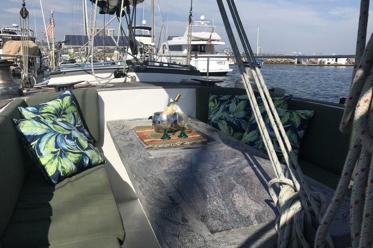 Custom's 75.0 feet in Long Beach