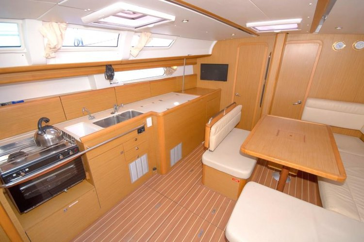 Jeanneau boat for rent in Whitsundays
