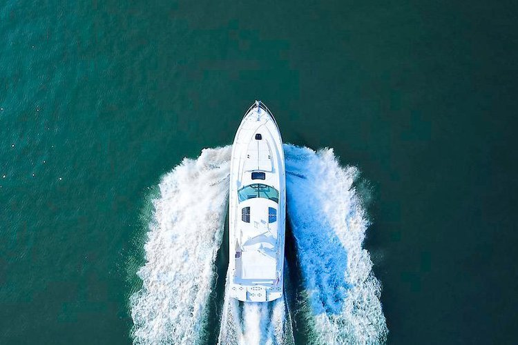 Beautiful 51 foot Sea Ray Sundancer Yacht