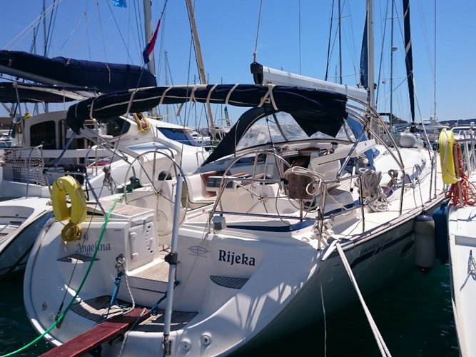 Get on the water and enjoy Primošten in style on our Bavaria Yachtbau Bavaria 50