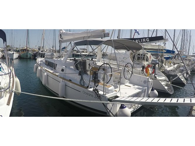 Beautiful Beneteau Oceanis 38.1 ideal for sailing and fun in the sun!