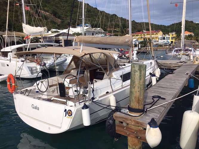 Boating is fun with a Dufour in Sea Cow's Bay