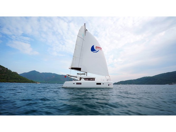 Get on the water and enjoy Marmaris in style on our Lagoon Lagoon 42