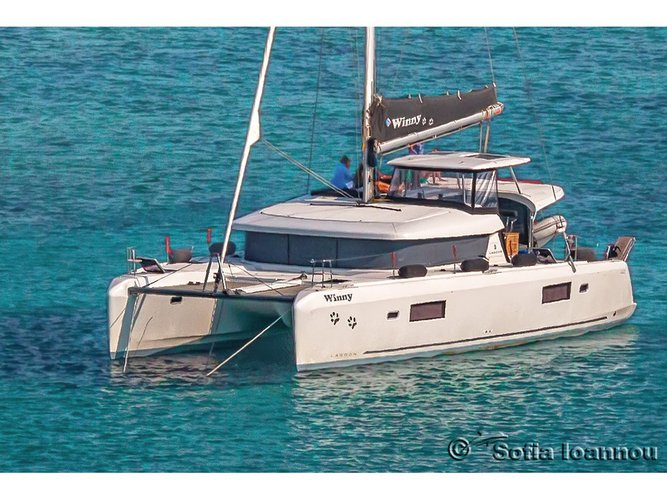 Charter this amazing Lagoon Lagoon 42 in Syros, GR